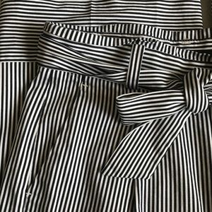 Banana Republic Pants - Banana Republic Tie Waist Striped Crop Pant
